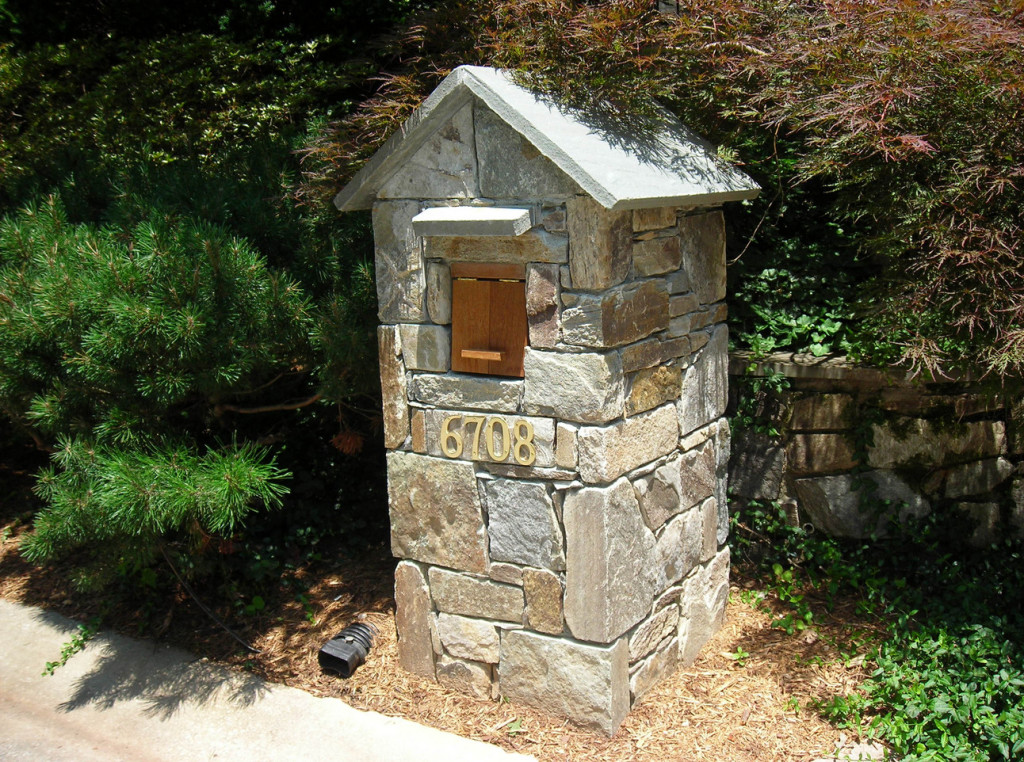 Diy Mailbox Post With Different Materials Used To Make It Interior Design Ideas