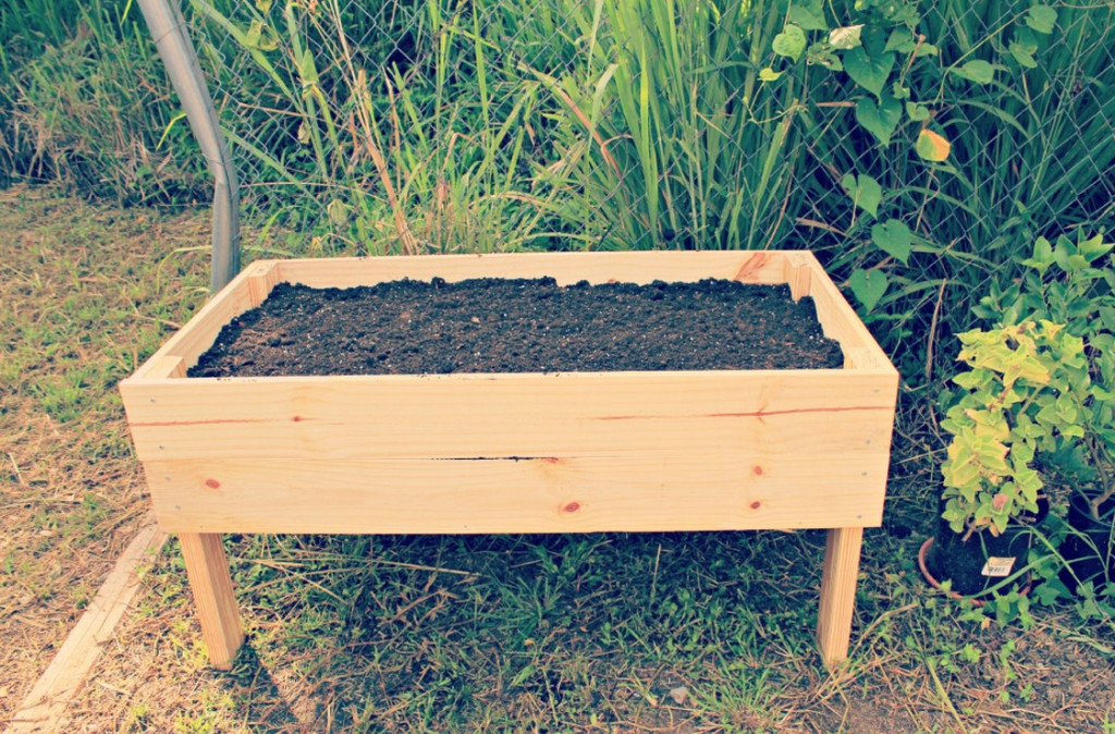 elevated planter box kit