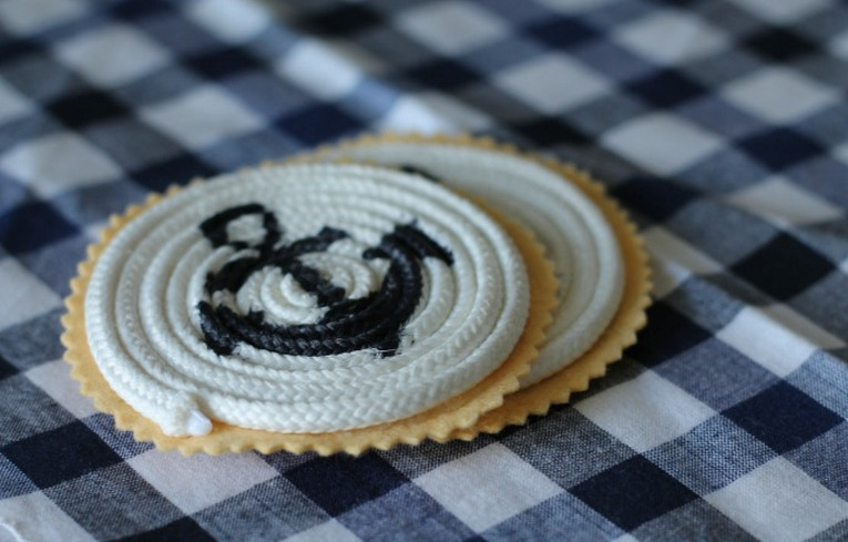 how to make coasters out of fabric