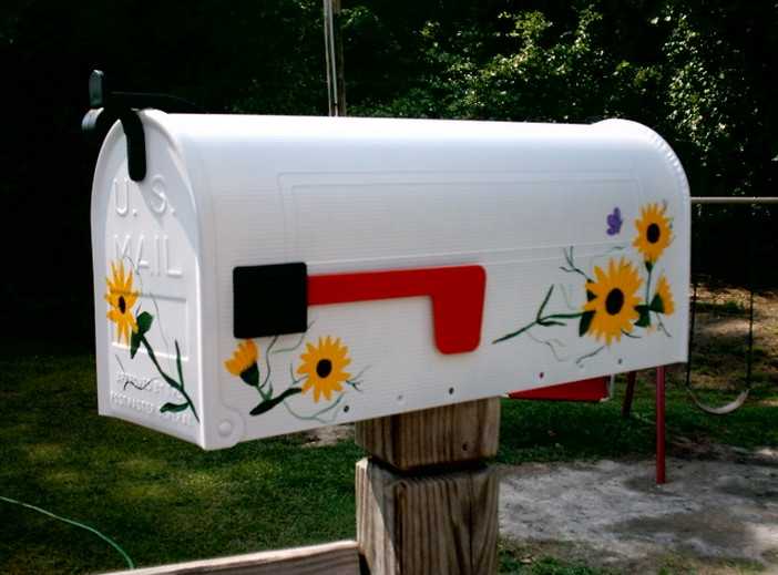 how to paint a mailbox design