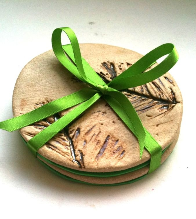 round ceramic pine tree coasters